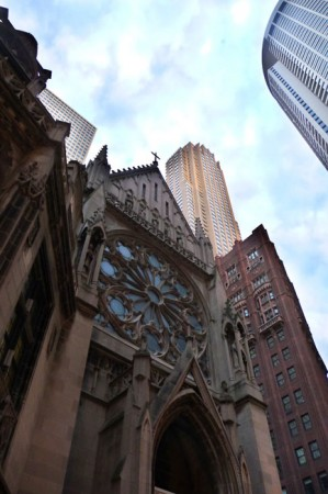 Church and buildings in Chicago